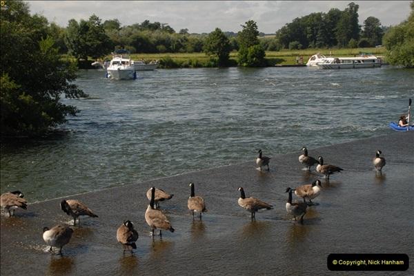 2012-08-18 Hambleden Lock, River Thames, Berkshire.  (14)14