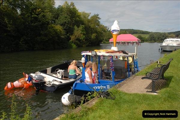 2012-08-18 Hambleden Lock, River Thames, Berkshire.  (40)40