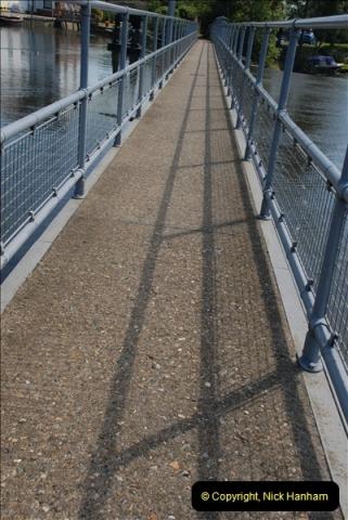 2012-08-18 Hambleden Lock, River Thames, Berkshire.  (17)17