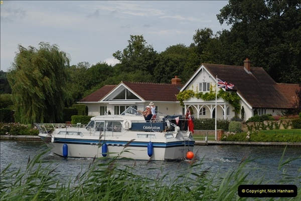 2012-08-18 Hambleden Lock, River Thames, Berkshire.  (37)37