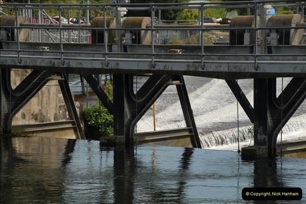2012-08-18 Hambleden Lock, River Thames, Berkshire.  (50)50