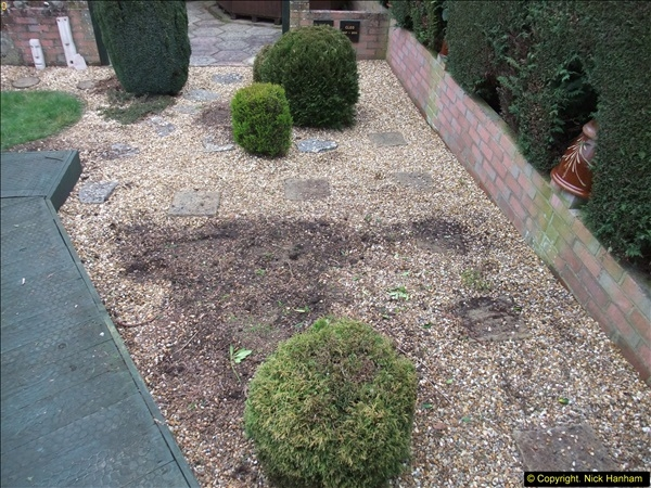 2015-03-09 Front and back garden alterations start.  (9)089