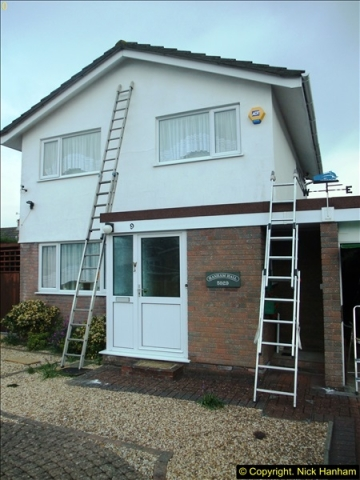 2015-04-10 to 12 Outside house cleaning and wall painting + a summer house repaint.  (1)296
