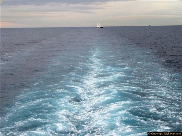 2016-11-25 Day at Sea. (1)386