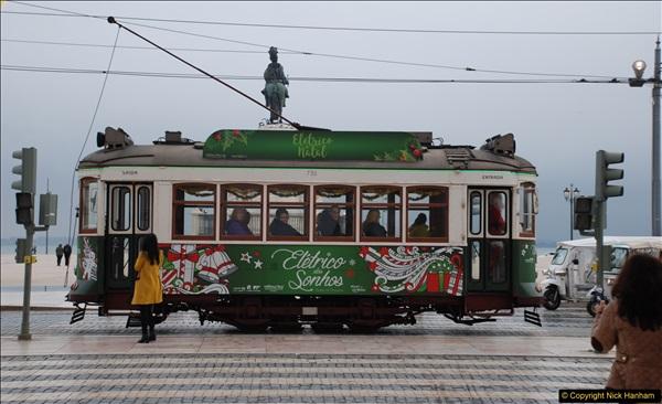 2016-12-01 Lisbon, Portugal.  (203)203