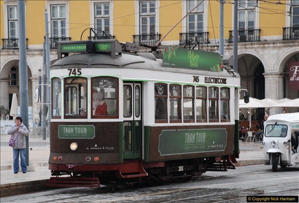 2016-12-01 Lisbon, Portugal.  (206)206