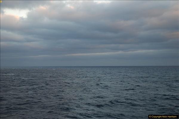 2016-12-03 At sea.  (3)044367