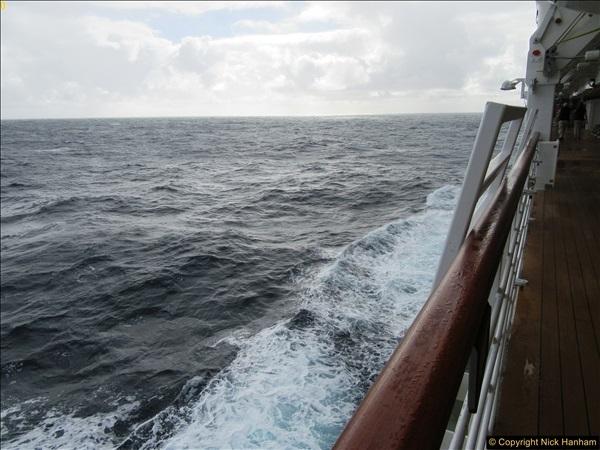 2016-12-03 At sea.  (1)042365