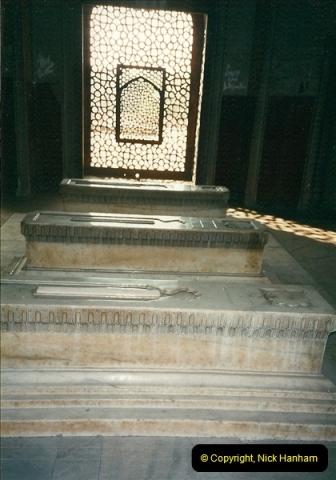 India February 2000 (10)010