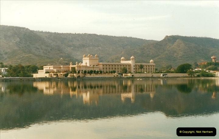 India February 2000 (33)033