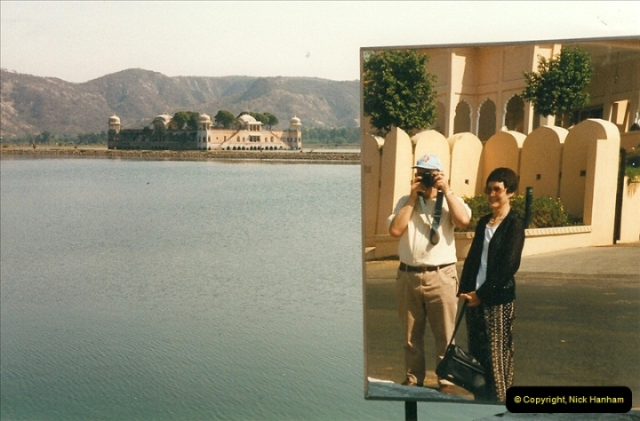 India February 2000 (40)040