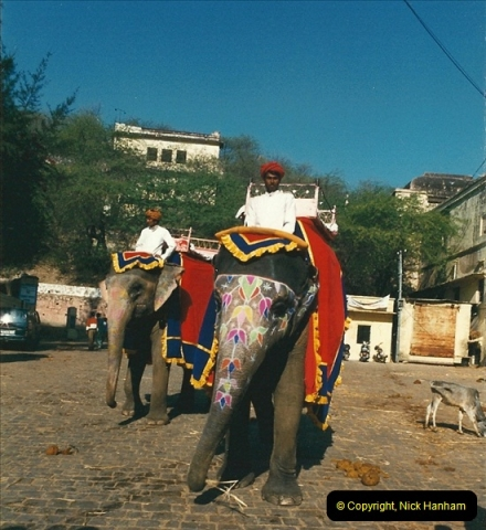 India February 2000 (69)069