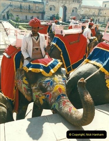 India February 2000 (70)070