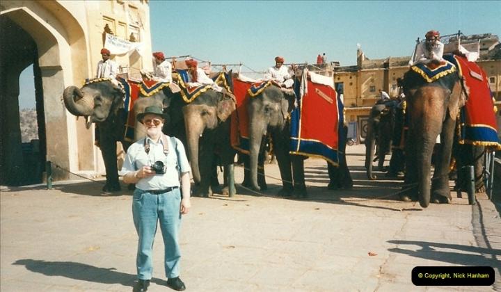 India February 2000 (72)072