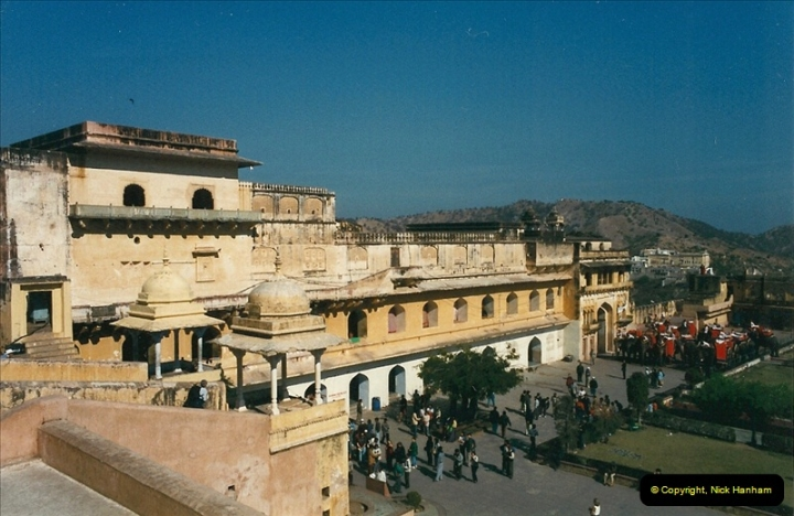 India February 2000 (76)076