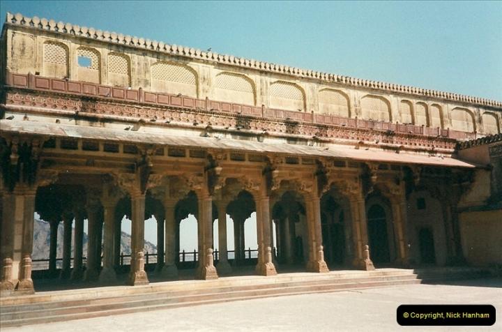 India February 2000 (77)077