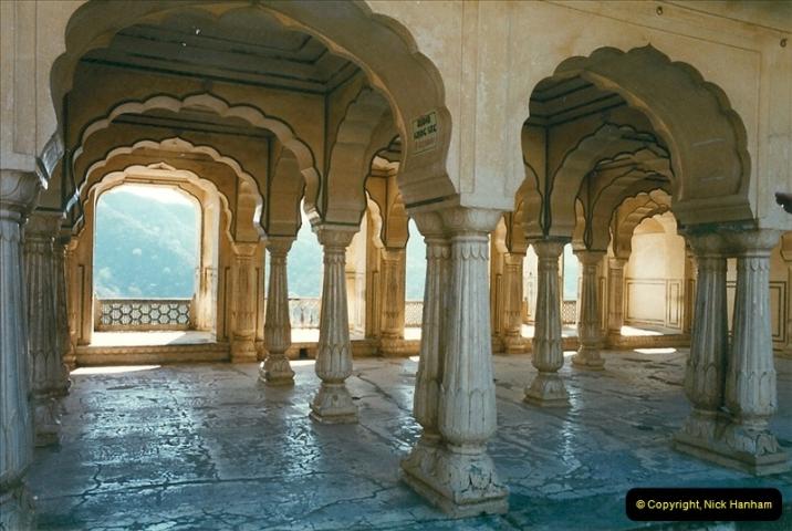India February 2000 (79)079