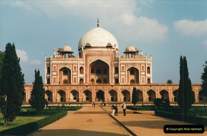 India February 2000 (8)008