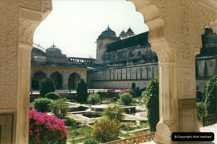 India February 2000 (82)082
