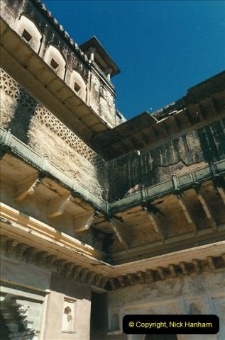 India February 2000 (84)084