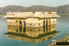 India February 2000 (43)043
