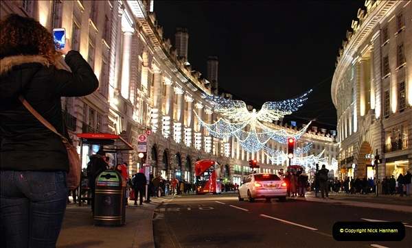 2018-12-09 London & Lights.    (90)090