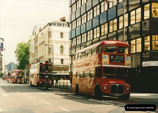 London Buses 1963 to 2007.  (121) 121