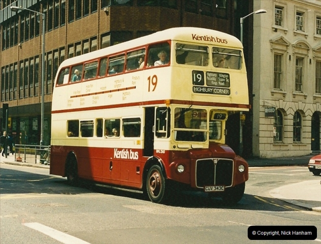 London Buses 1963 to 2007.  (124) 124