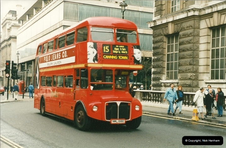 London Buses 1963 to 2007.  (199) 199