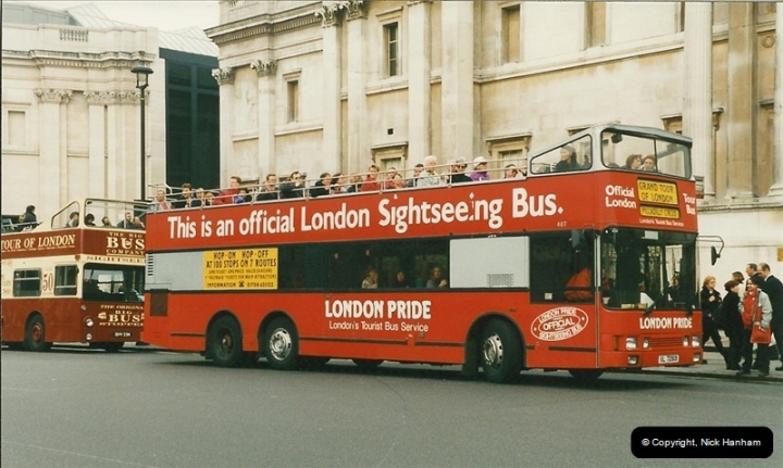 London Buses 1963 to 2007.  (211) 211