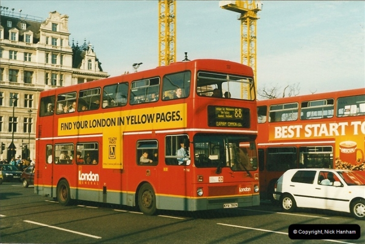 London Buses 1963 to 2007.  (220) 220