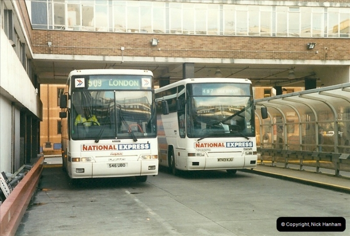 London Buses 1963 to 2007.  (251) 251