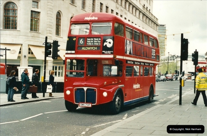London Buses 1963 to 2007.  (320) 320