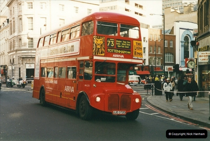 London Buses 1963 to 2007.  (370) 370