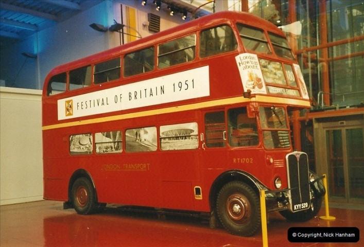 London Buses 1963 to 2007.  (401) 401