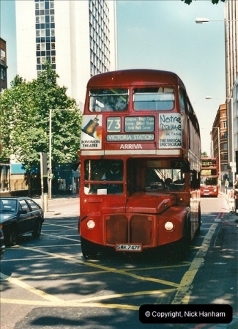 London Buses 1963 to 2007.  (406) 406