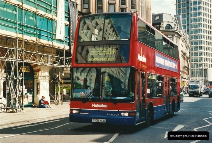 London Buses 1963 to 2007.  (411) 411