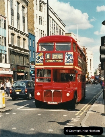 London Buses 1963 to 2007.  (424) 424