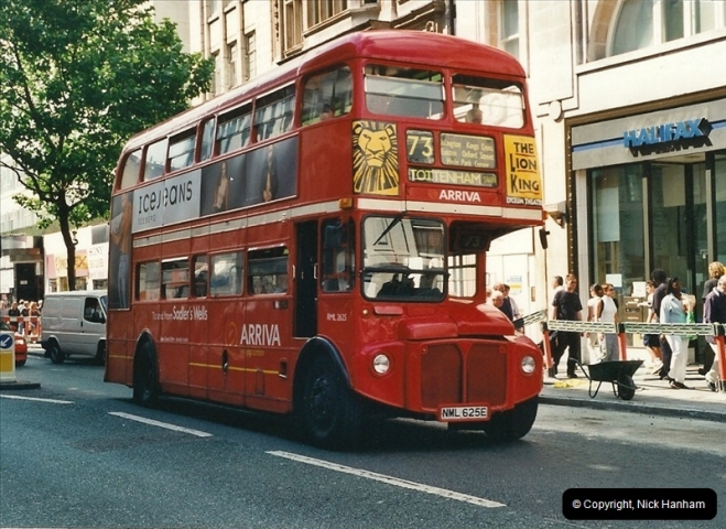 London Buses 1963 to 2007.  (426) 426