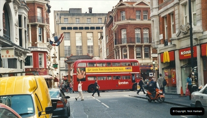 London Buses 1963 to 2007.  (435) 435