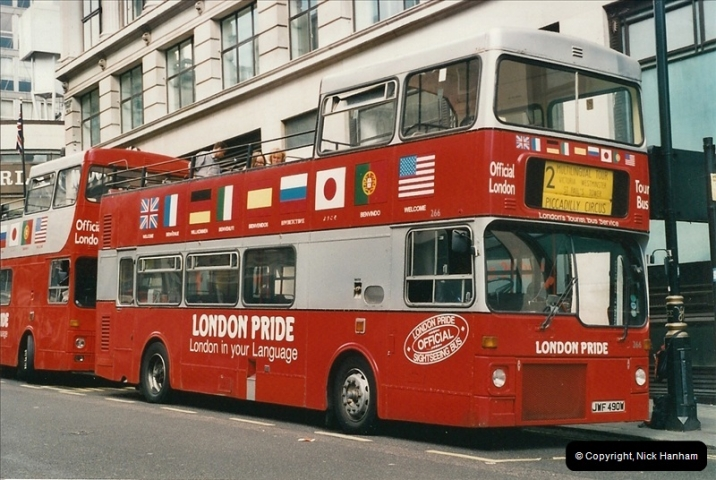 London Buses 1963 to 2007.  (438) 438