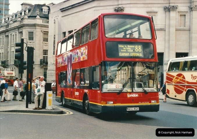 London Buses 1963 to 2007.  (441) 441