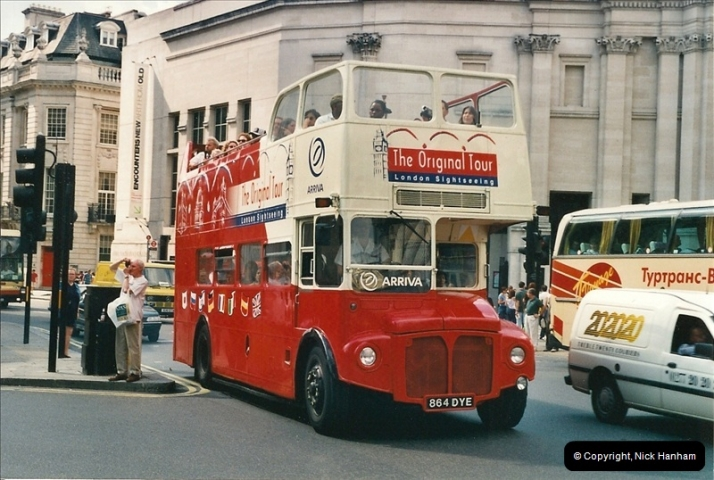 London Buses 1963 to 2007.  (442) 442