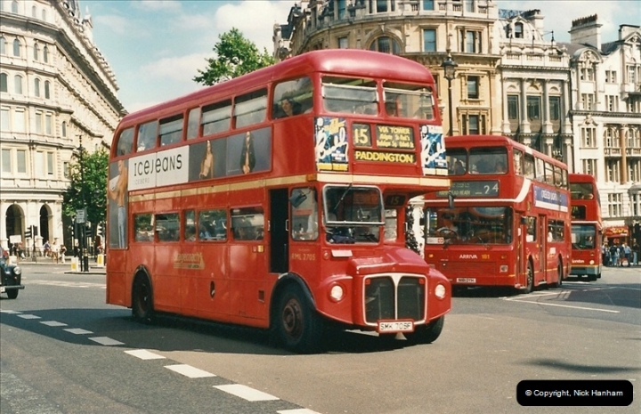 London Buses 1963 to 2007.  (452) 452