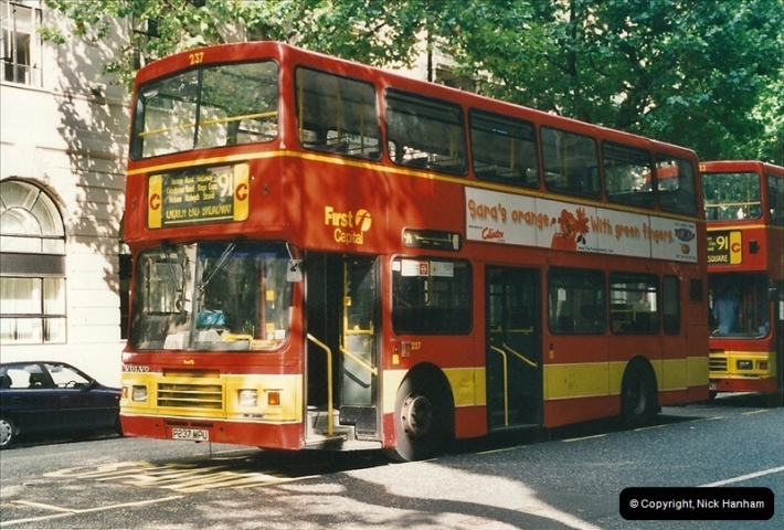 London Buses 1963 to 2007.  (461) 461