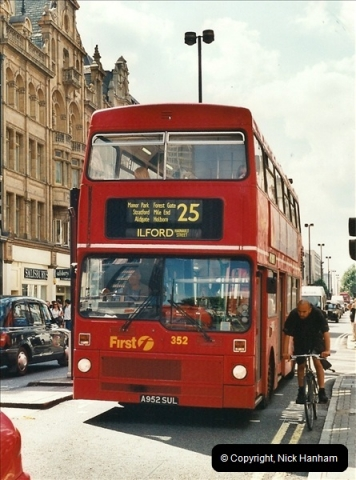London Buses 1963 to 2007.  (462) 462