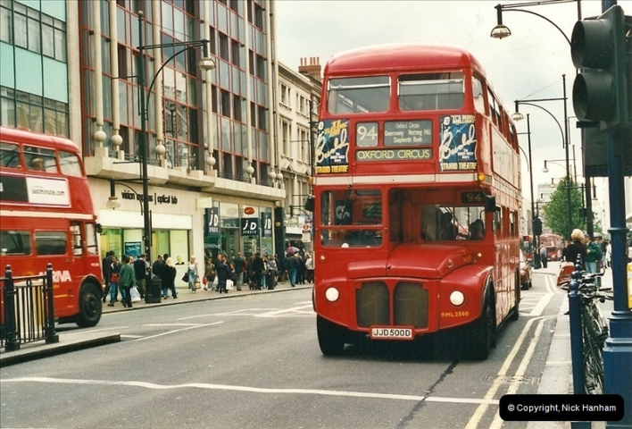 London Buses 1963 to 2007.  (492) 492