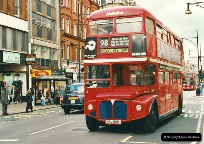 London Buses 1963 to 2007.  (495) 495