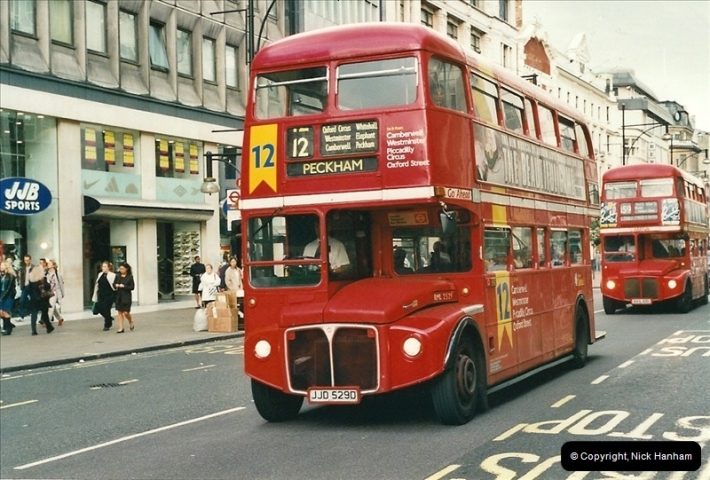 London Buses 1963 to 2007.  (498) 498