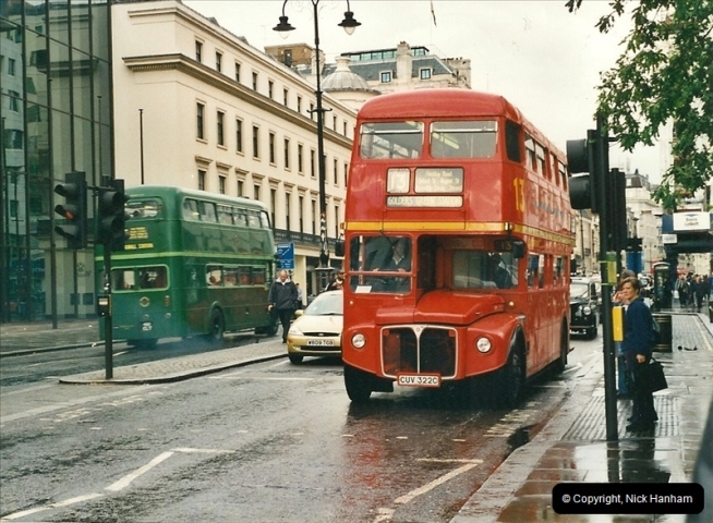 London Buses 1963 to 2007.  (512) 512